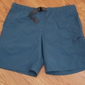 Men's xl waist Columbia shorts.